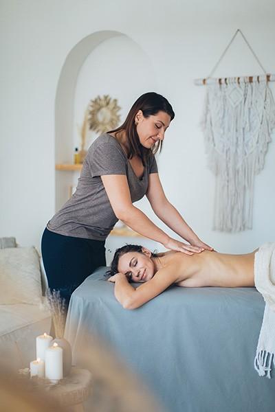 Ganzheitlichkeit ist die Phylosophie der Physiotherapiepraxis Zimmermann in Zehlendorf Klassische Massage ist eine Anwendungsmöglichkeit